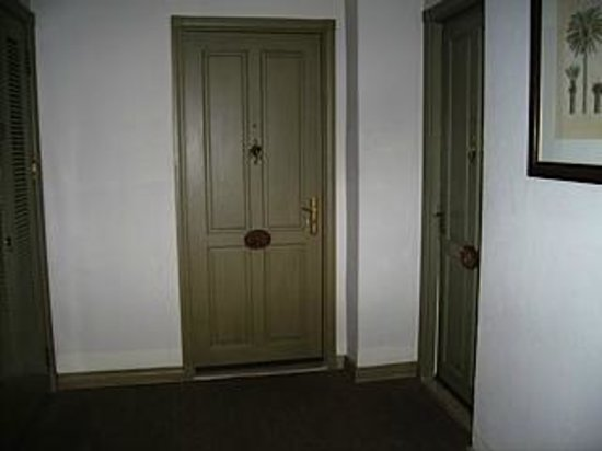 سالادين كالانيد: Apartment 705