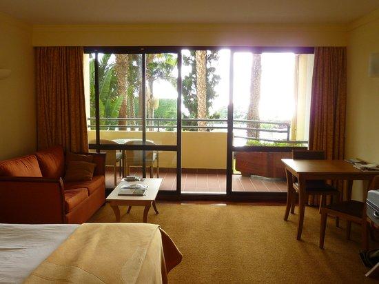 Suite Hotel Eden Mar:                   Balcony