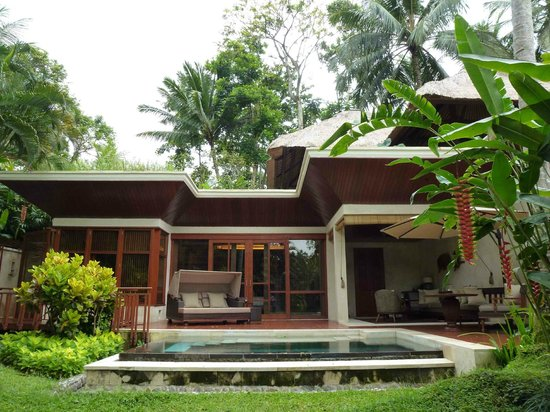Four Seasons Resort Bali at Sayan: Villa from Garden