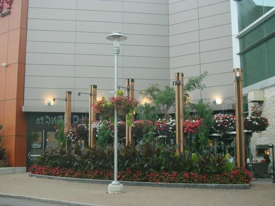 Square One Shopping Centre :                   Outside ambience