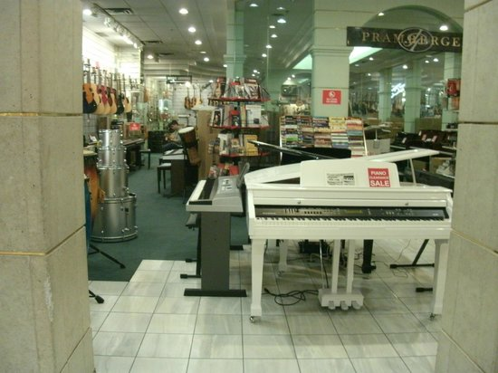 Square One Shopping Centre :                   Music store