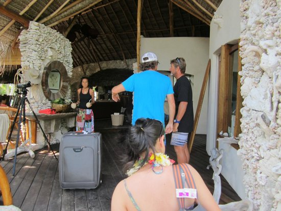 Tikehau Ninamu Resort:                   Being greeted