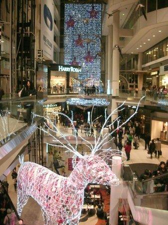 CF Toronto Eaton Centre: Christmas Decoration