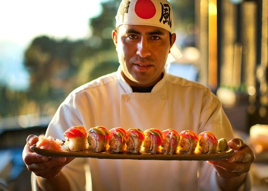 Treebones Resort Wild Coast Restaurant and The Sushi Bar : Carlos san!