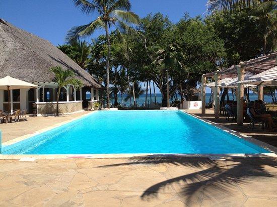 SheShe Baharini Beach Hotel: Piscina