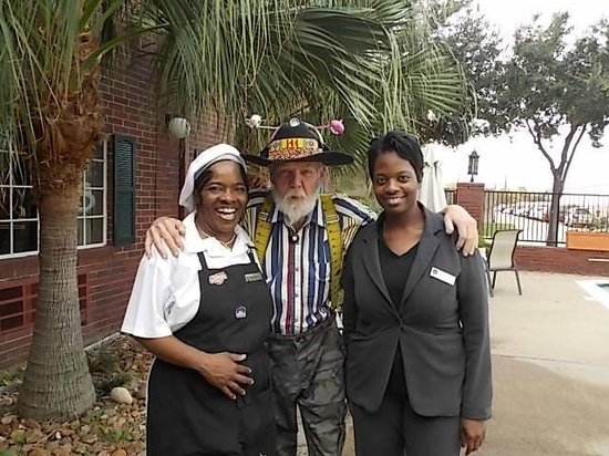 BEST WESTERN PLUS Westchase Mini-Suites:                   Myself with Chef Paulette and Denise who is a wealth of information on the fro