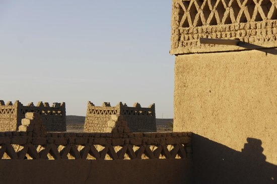 Kasbah Le Touareg: Roof terrace with fabulous views