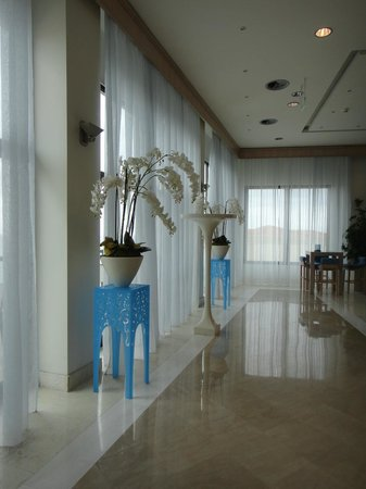 Ikos Oceania: Part of the lobby