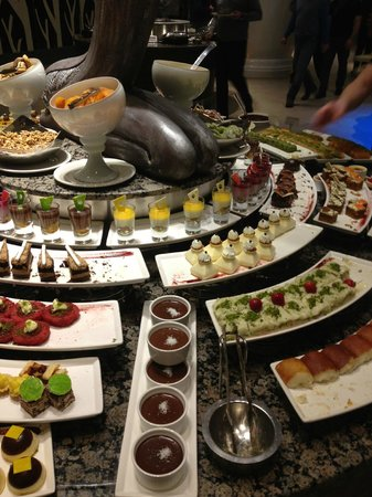 Maxx Royal Belek Golf Resort: Sweets in buffet dinner