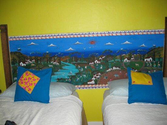 Casa de Las Bugambilias B&B: bedroom mural