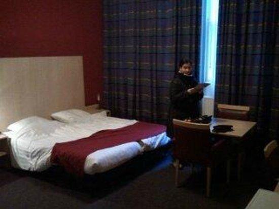 Nova Hotel Amsterdam: habitación, muy grande