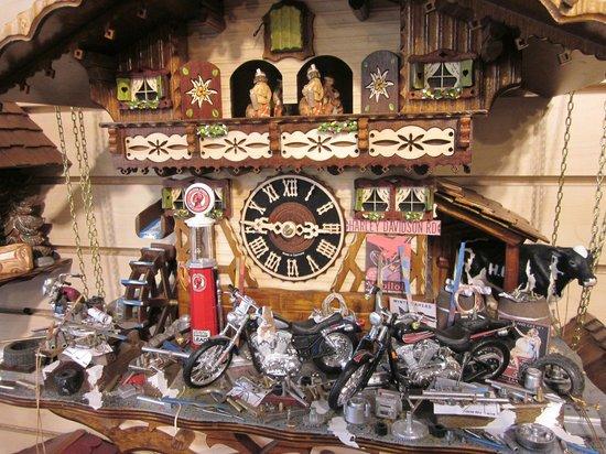 Drubba 39 s motorcycle cuckoo clock picture of drubba clock gifts regensburg tripadvisor - Motorcycle cuckoo clock ...