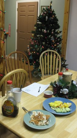 3 Dog Night Hostel:                   Dining