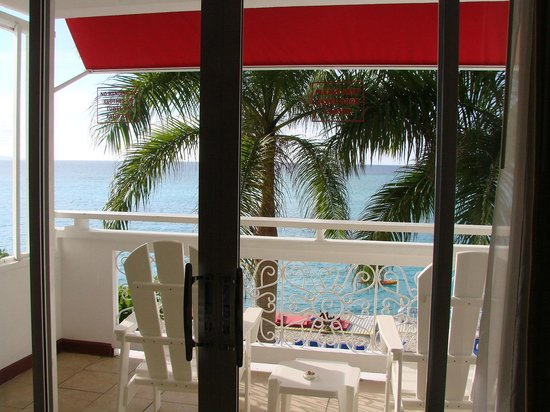 Royal Decameron Montego Beach:                   view off of our balcony..