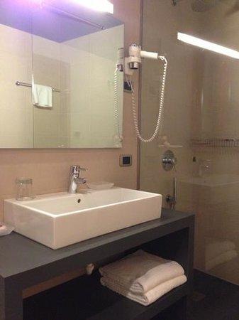 Giulietta e Romeo Hotel:                   душ