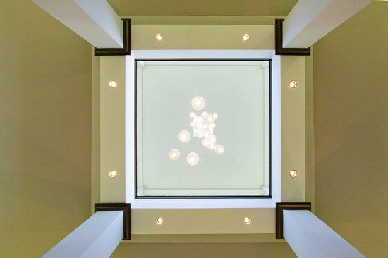Hilton Garden Inn Raleigh-Cary: Lights