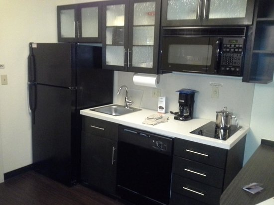 Candlewood Suites Detroit, Southfield: Kitchen area
