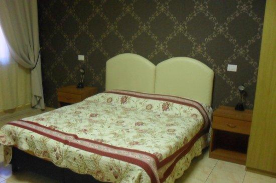 Hotel Maikol Rome: Letto