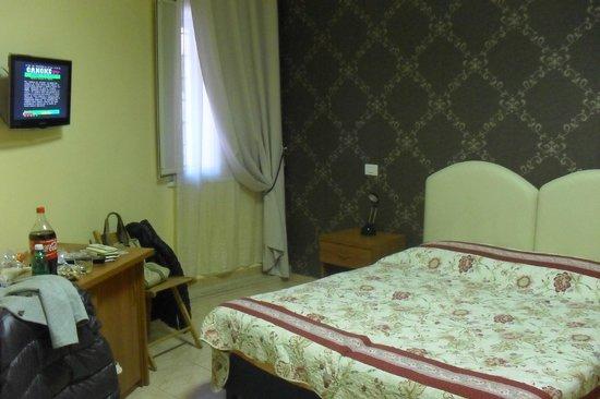 Hotel Maikol Rome: Finestra della camera