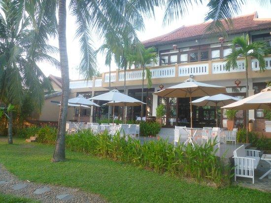 Vinh Hung Riverside Resort: Breakfast terrace