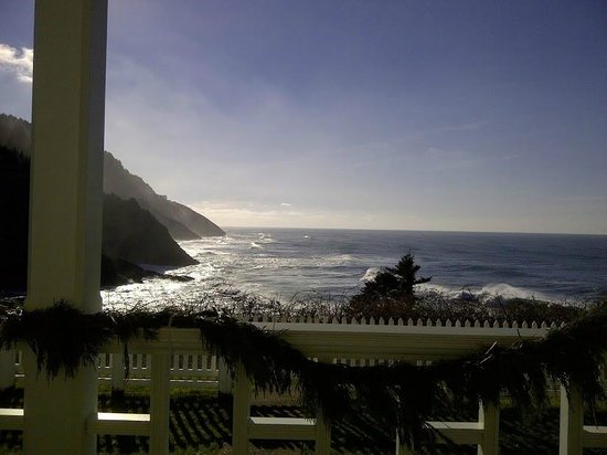 Heceta Head Lighthouse Bed and Breakfast:                   The view from the veranda
