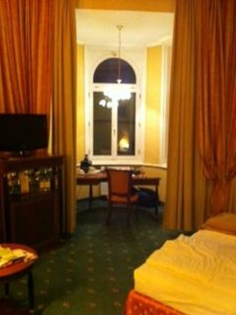 Hotel Beethoven Vienna:                   Our room, showing the alcove