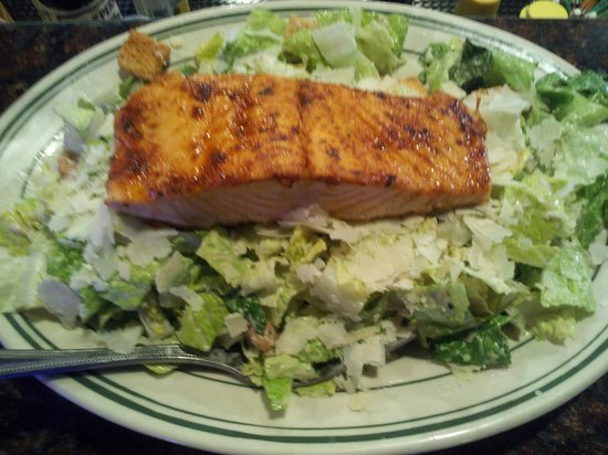Smoky Hearth Restaurant Bar & Grill: Caesar Salmon Salad