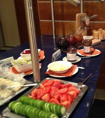 Gastehaus am RPTC: Fruehstuecksbuffet