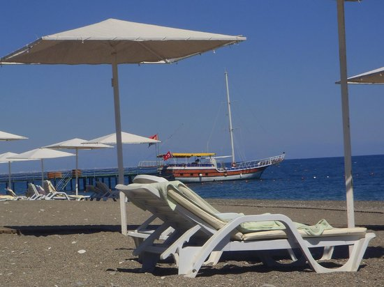 Club Med Palmiye: plage devant le night