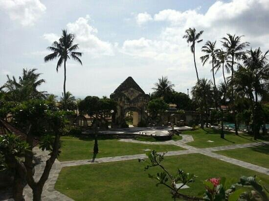 Inna Grand Bali Beach Hotel:                   отель