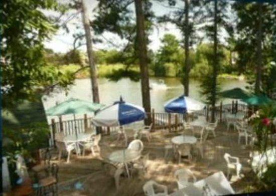 Eddie B's White Spruce Restaurant & Tavern: Outdoor Seating