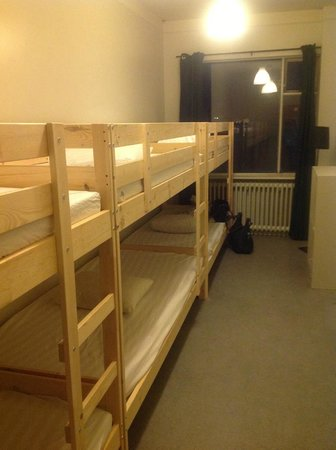 Reykjavik Backpackers: 4 bed dorm