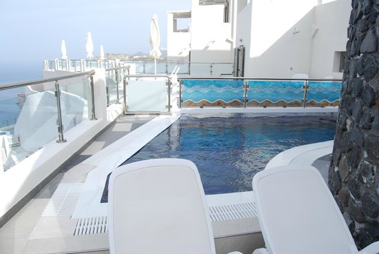 Petit Palace Suites Hotel: private pool