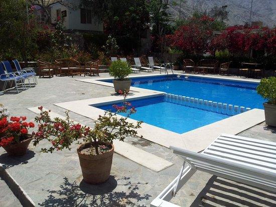 Hotel Los Palomos: Zona de Piscina