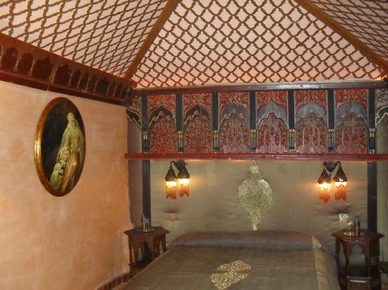 Riad Armelle: queen's room