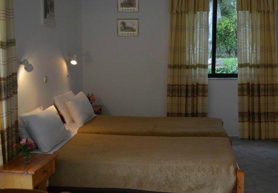 Emilia Apartments: Studio Interior