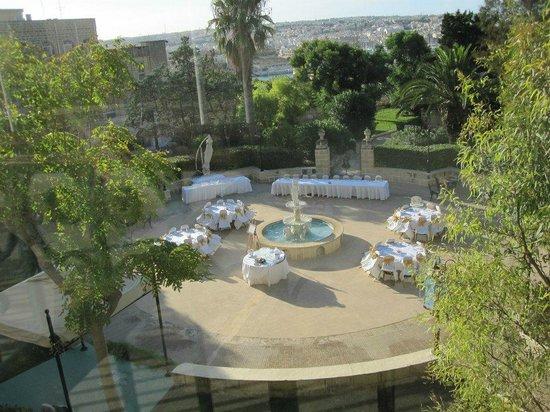 Hotel Phoenicia:                   Rotunda