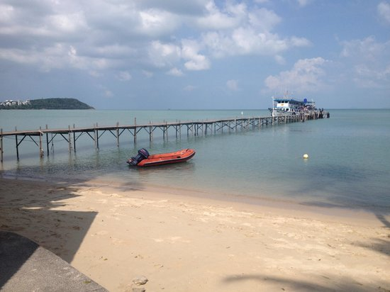 Samui Pier Resort:                   Beautiful views but please be aware boats/ferrys leave every hour from this po