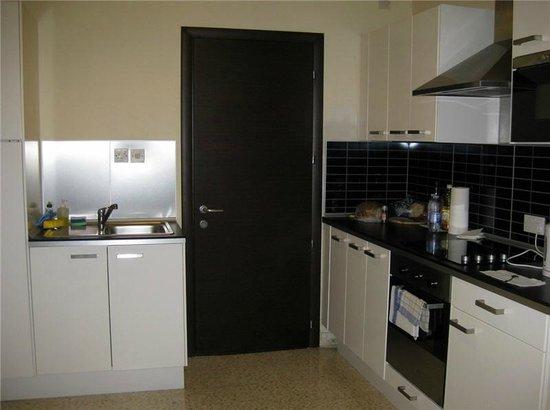 Park Lane Aparthotel: Küchenblock
