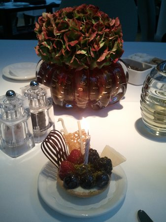 The Mandala Hotel: Birthday cake