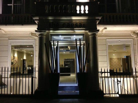 Hotel The Caesar: Ingresso.