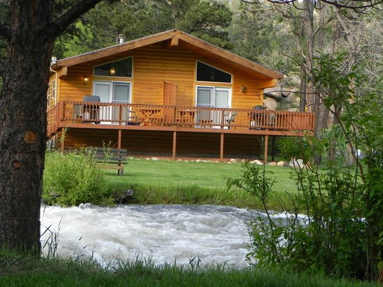 Riverview Pines: Cabins 3 and 4