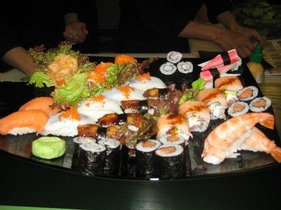 Wasabi Sushi Restaurant: Sushi party