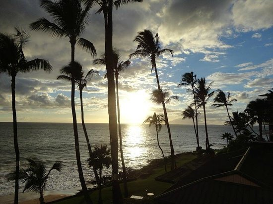 The Hale Pau Hana: Sunset visto da varanda