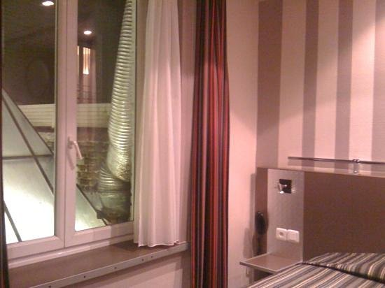 grand place picture of hotel continental lille tripadvisor. Black Bedroom Furniture Sets. Home Design Ideas