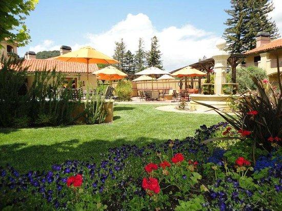 Napa Valley Lodge: Courtyard