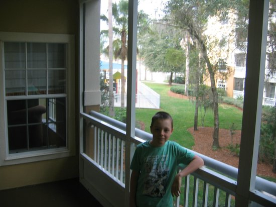 Wyndham Cypress Palms : Balcony with view of playground