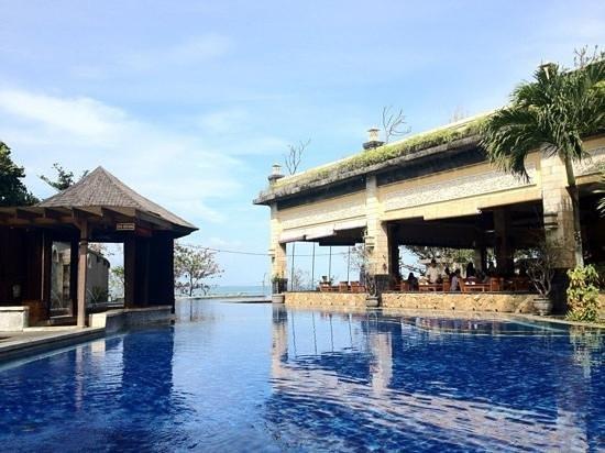Pelangi Bali Hotel : The beautiful Pool
