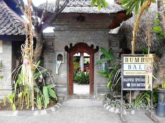 Bumbu Bali: Entrance