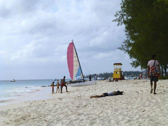 ليتل أرشيز بوتيك هوتل باربادوس:                   The beach at Little Arches                 
